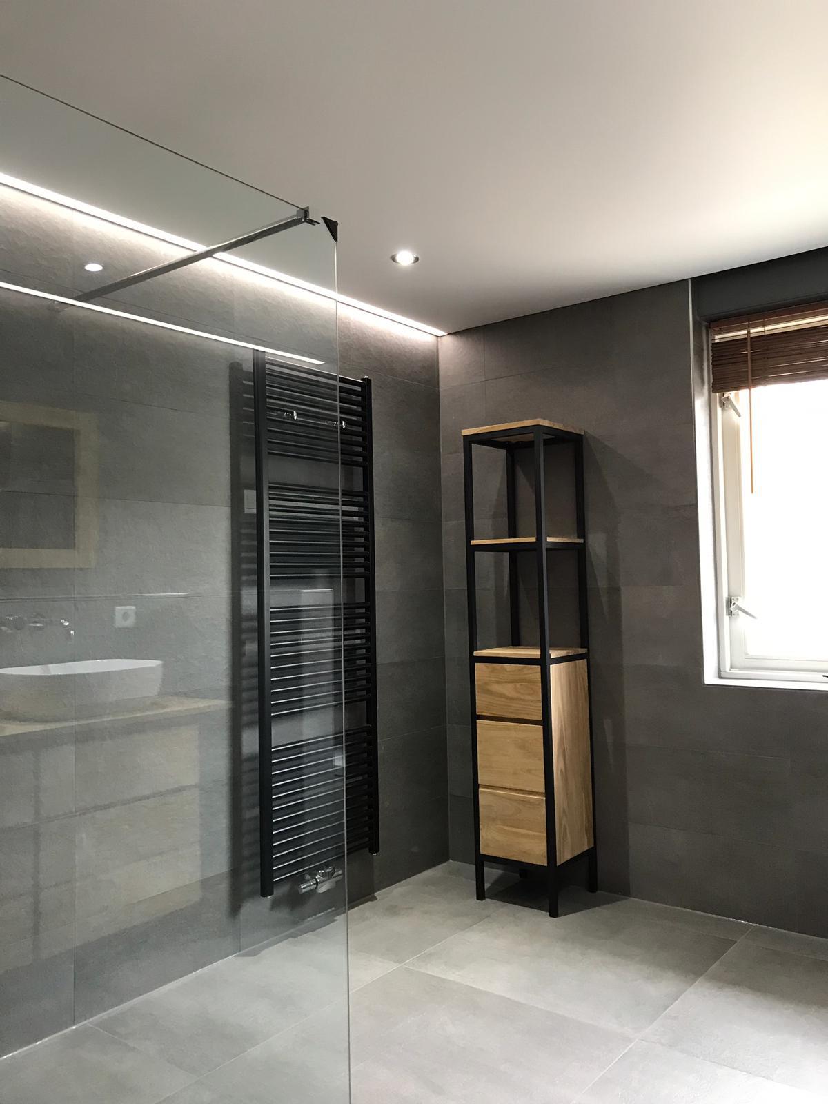 spanplafond biedt een strak resultaat in uw badkamer