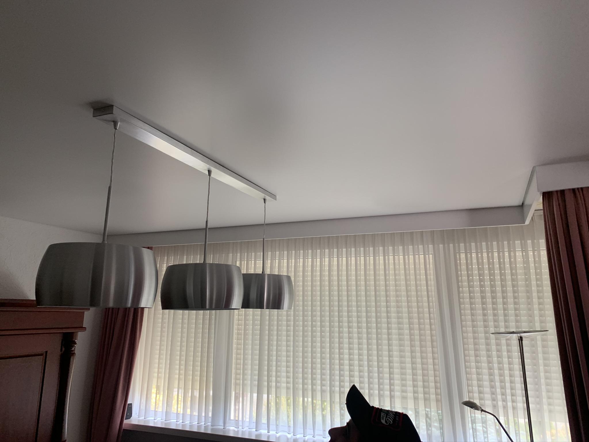 hang uw eigen lampen op aan onze spanplafond