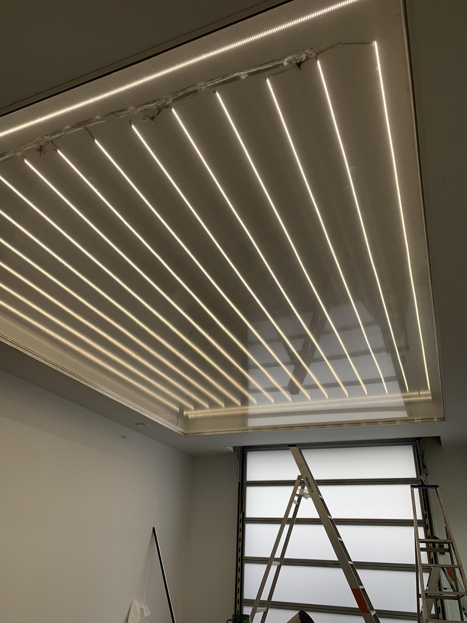 spanplafond met lichtprint