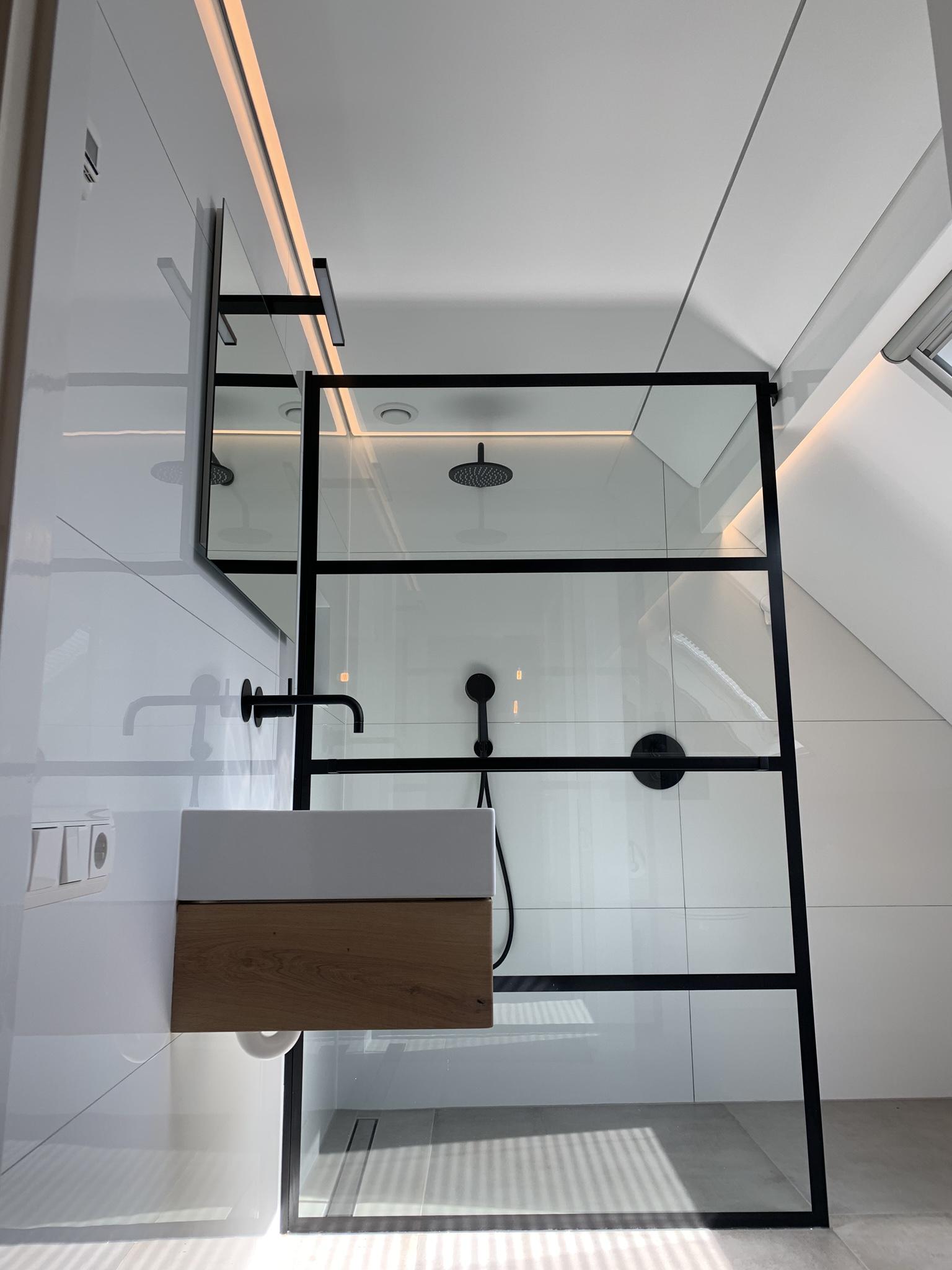de mooiste badkamers dankzij een spanplafond van Indara