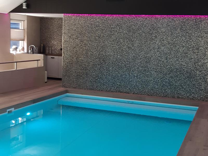 verlichting en plafonds bij zwembaden